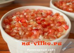 salat-s-granatom-kuricey-14