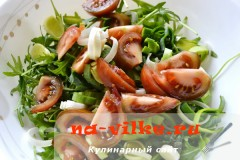 salat-s-kumato-i-gorgonzoloy-08
