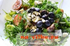 salat-s-kumato-i-gorgonzoloy-13