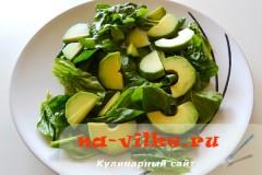 salat-avokado-klubnika-06