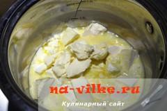 sharlotka-s-ananasami-v-multe-02