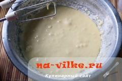 sharlotka-s-ananasami-v-multe-08