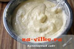 sharlotka-s-ananasami-v-multe-11