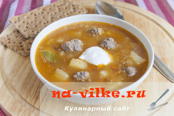 Суп с красной чечевицей и фрикадельками