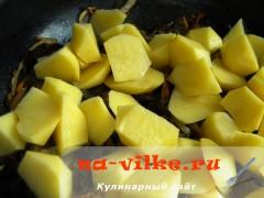 kartofel-s-gribami-v-gorshochkah-6
