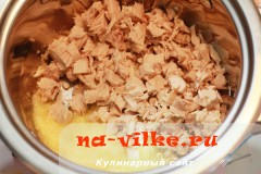 kurica-s-lukom-v-souse-5
