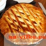 Дрожжевой пирог с абрикосовым вареньем
