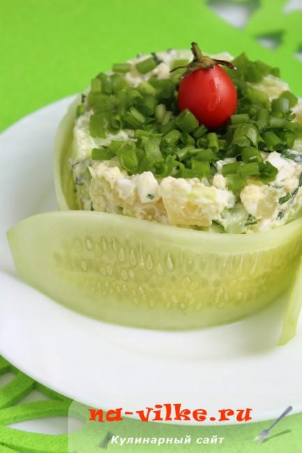 Салат с молодым картофелем и огурцом