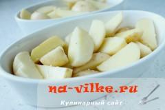 kartofel-v-duhovke--s-sousom-03