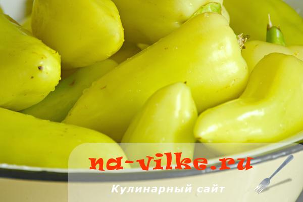 Грунтовые зеленые болгарские перцы