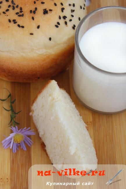 Кусок молочного хлеба