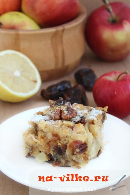 Яблочно-финиковый пирог