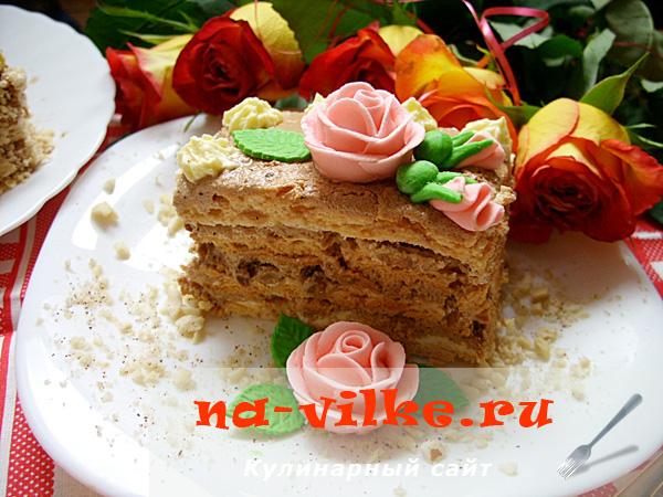 Кусок киевского торта