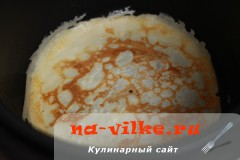 Тонкие блины на молоке в мультиварке