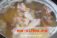 gorohoviy-sup-s-kuricey-2