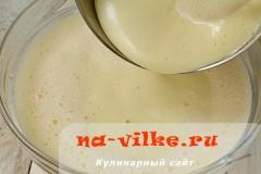 medovik-v-multivarke-06