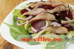salat-iz-seledki-04