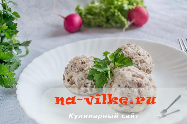 Тефтели с гречкой и куриным фаршем – вкусные и диетические