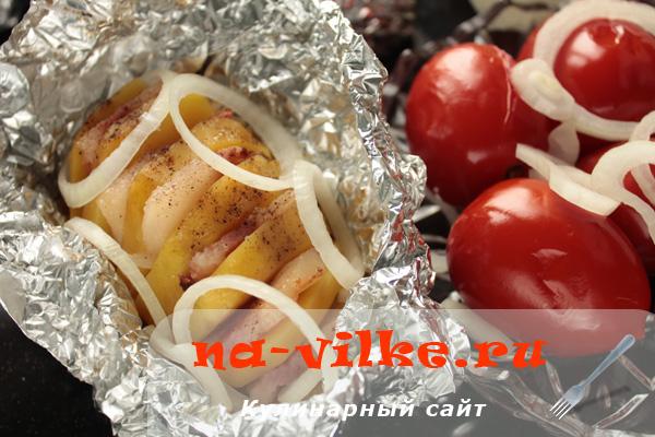 Картошка в фольге с щековиной