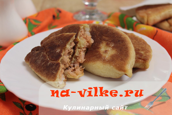 Пирожки с начинкой из рыбы и риса