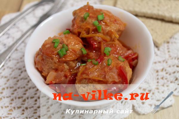 Тефтели из рыбного фарша в томатном соусе