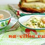 Быстрый и питательный салат с капустой и креветками