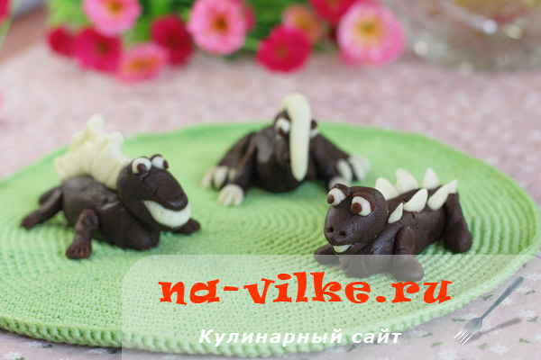 Динозавры из мастики и пирожного Картошка
