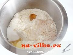 bulochki-iz-drozhevogo-testa-02