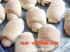 bulochki-iz-drozhevogo-testa-09