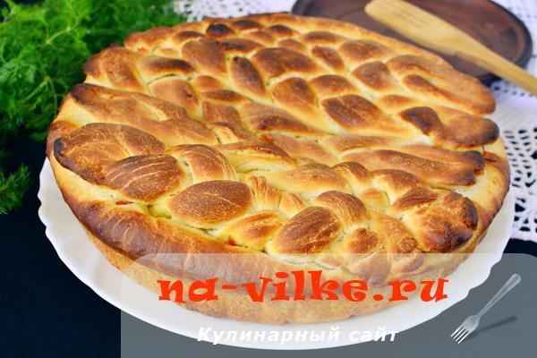 Вкусный пирог на кефире с капустной начинкой