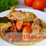 Вкусная тушеная индейка с морковью и луком