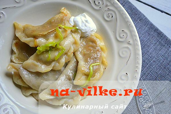 Готовим домашние вареники с начинкой из грибов и картофеля