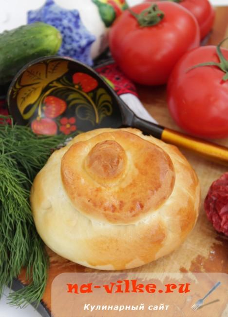 Пироги со свининой и шампиньонами