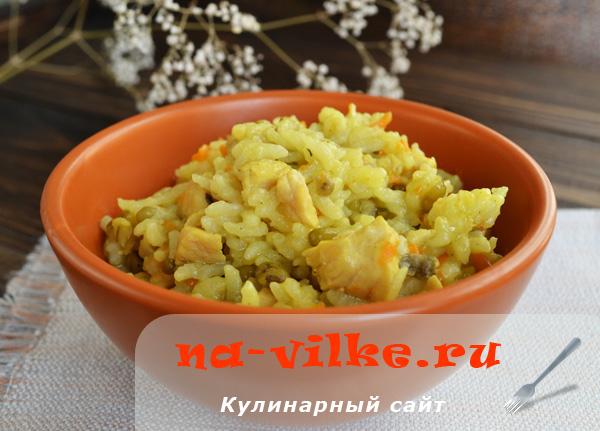 Второе блюдо из куриной грудки, риса и маша