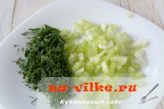 sup-kuriniy-s-seldereem-4