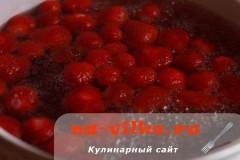 kompot-iz-klubniki-2
