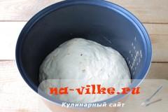 lukoviy-hleb-v-multi-10