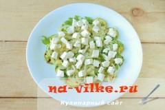 salat-s-kabachkami-fetoy-07