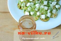 salat-s-kabachkami-fetoy-09