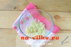 salat-s-kuricey-gribami-2