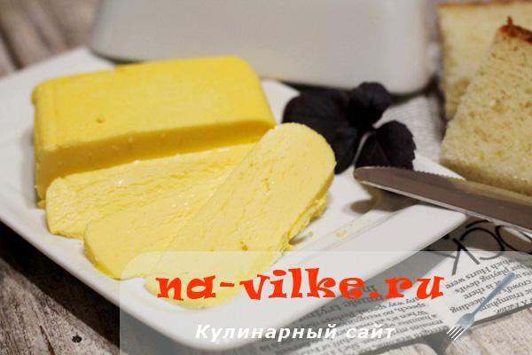 Готовим сливочное масло из сливок или сметаны своими руками