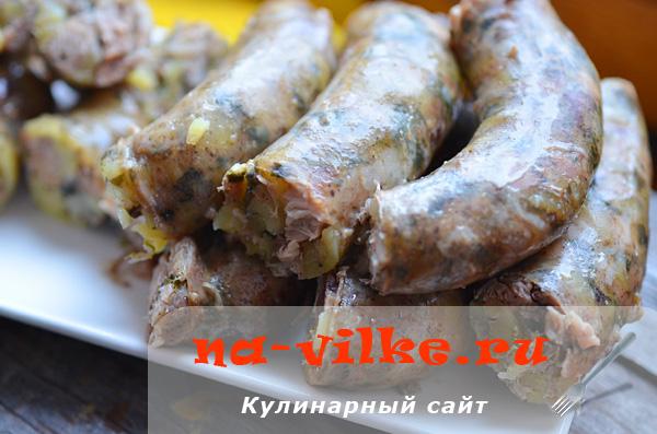 Приготовление колбасы из курицы с печенью и салом