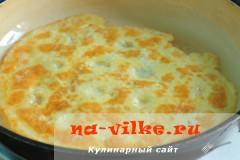 ruletiki-iz-kabachkov-s-omletom-04