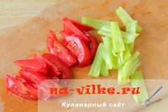 ruletiki-iz-kabachkov-s-omletom-05