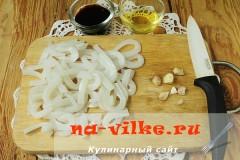 salat-iz-ovoshey-i-kalmarov-02