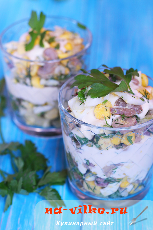 Салат с языком, кукурузой и шампиньонами
