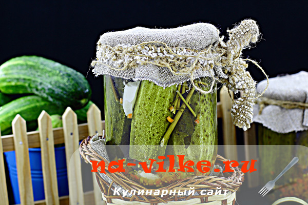 Заготавливаем на зиму маринованные огурцы с семенами горчицы