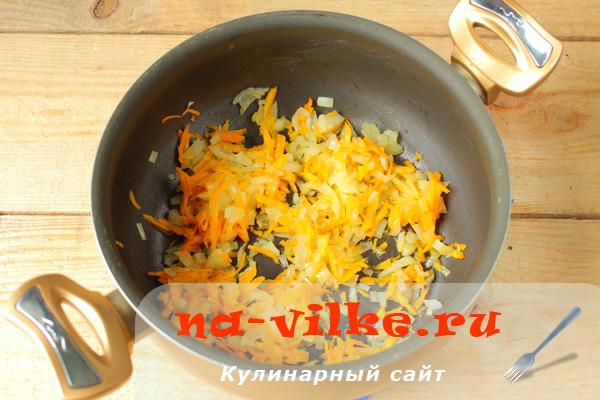 Пассеровка моркови с луком