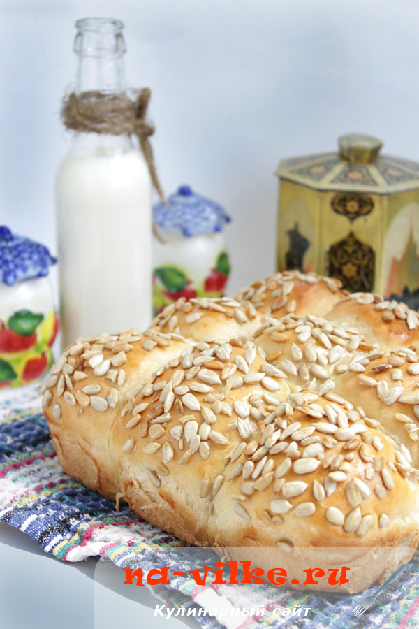 Пшенично-ржаные булочки с семенами подсолнуха