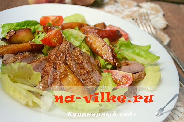 Сочное утиное филе в фольге с персиком и имбирем